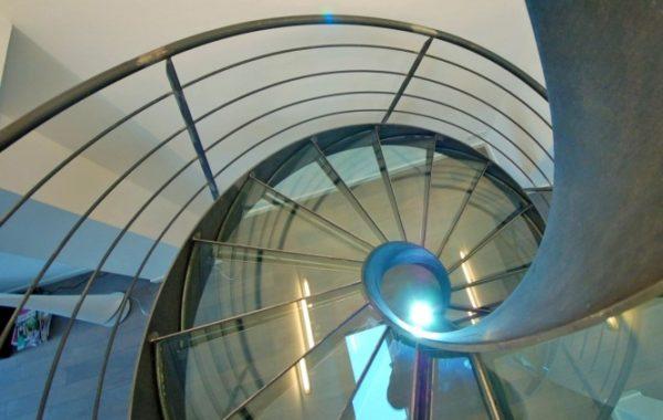 Escada Elikoflam