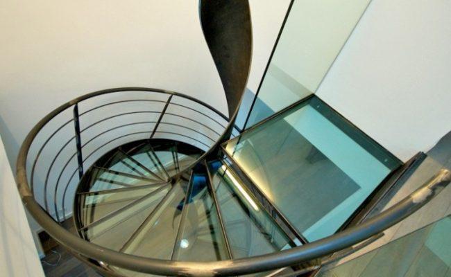 escalier-helicoidal-en-colimacon-elikoflam-marches-verre-garde4