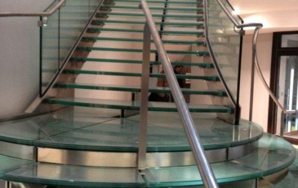 Escada de Escola em Inox e Vidro