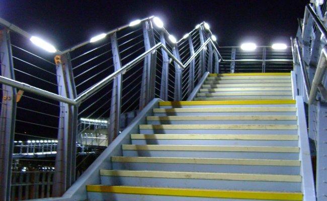 3-joe-calzaghe-footbridge