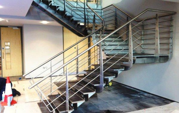 Escada em Inox