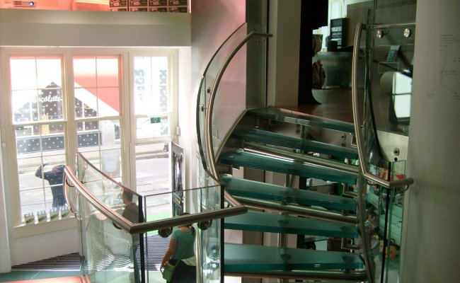 2-heineken-staircase-holland