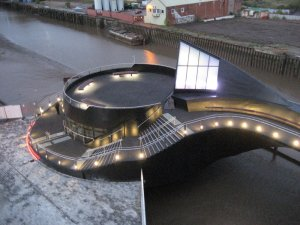 5-river-hull-footbridge